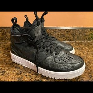 Air Force 1 Ultraforce mid black shoes